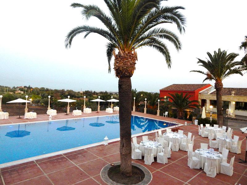 palme in piscina