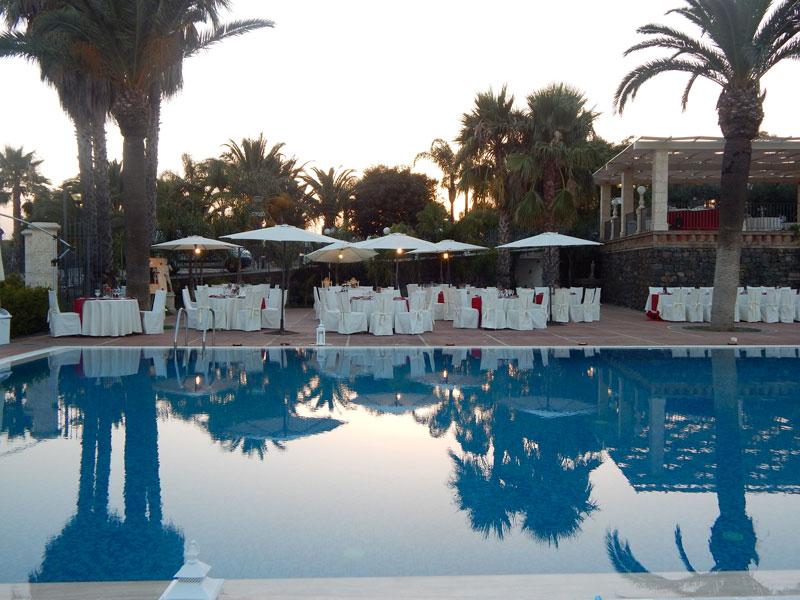 tavoli in piscina